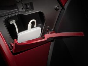 SH Mode - Hộc để đồ phía trước có trang bị cổng sạc USB