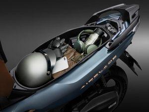 Honda Air Blade-Cổng-sạc-điện-thoại